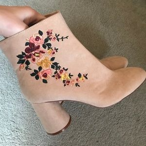 NWT Zara Floral Embroidered Booties